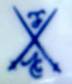 Porzellan von Fantasieporzellanmarke einer unbekannten Firma und unbekannter Herkunft